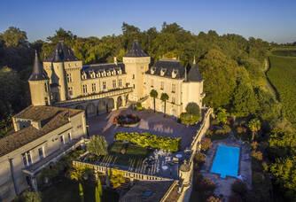 Vue aérienne du Château La Rivière