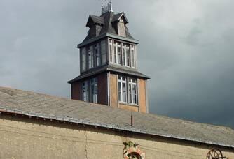 Le clocher du château des Trottières