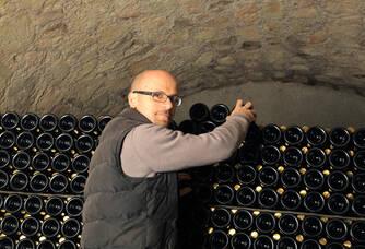 Cyril Jeaunaux dans la cave des Champagnes Jeaunaux Robin