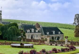 Autre vue de l'extérieur du Château de Valmer
